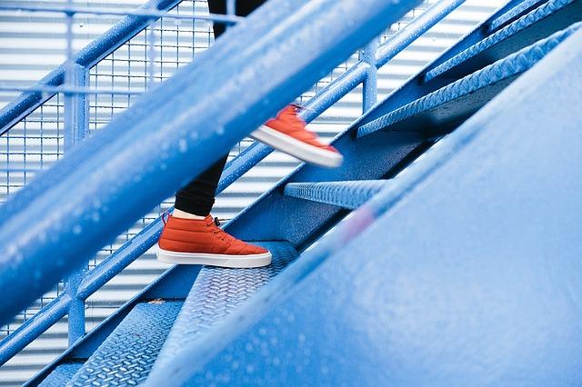 steps-1081909_640-1